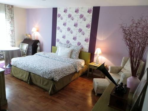 Résidence Carouge : Guest accommodation near Avrainville
