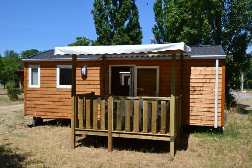 Camping de la Cesse : Guest accommodation near Aigues-Vives