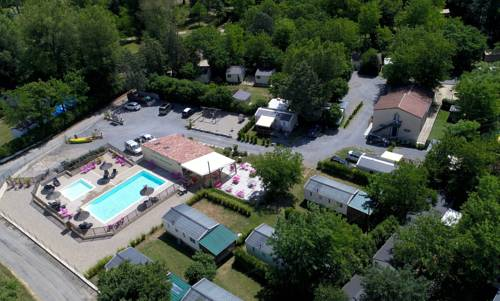 Camping Le Coin Charmant : Guest accommodation near Chauzon