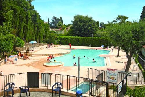 Camping L'Eden Vacances : Guest accommodation near Biot