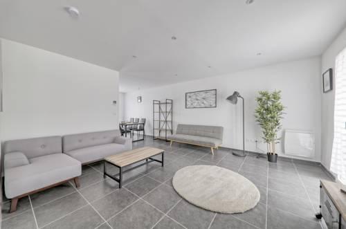 Villa des Parcs : Guest accommodation near Villeneuve-le-Comte