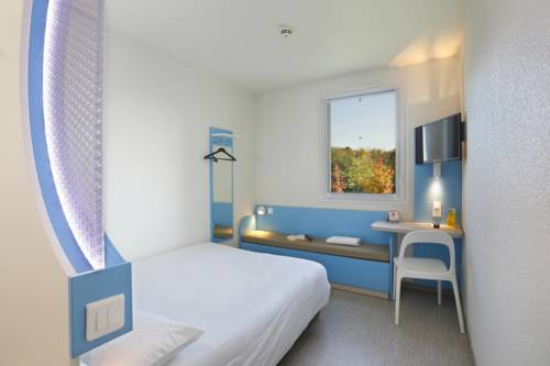 First Inn Hotel Paris Sud Les Ulis : Hotel near Nozay