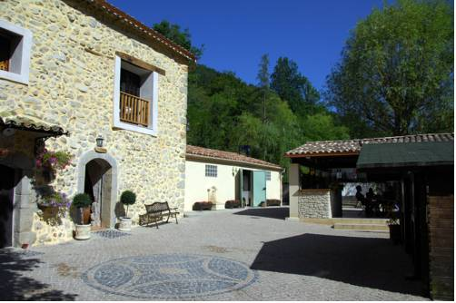 Camping La Ferme de Castellane : Guest accommodation near Demandolx