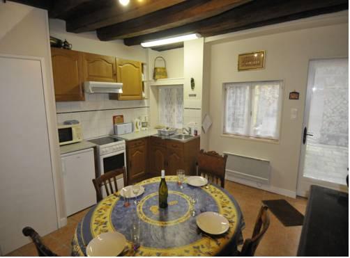 Appartement Bénédictin : Apartment near Chasnay