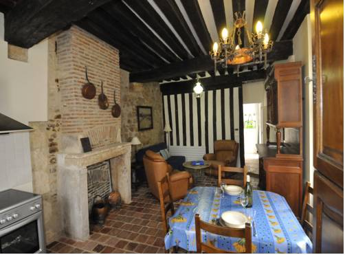 Appartement Meneau : Apartment near Chasnay