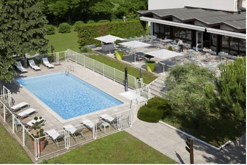 Novotel Grenoble Nord Voreppe : Hotel near Voreppe