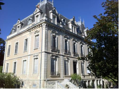 Villa Magnolia Parc : Bed and Breakfast near Rochemaure