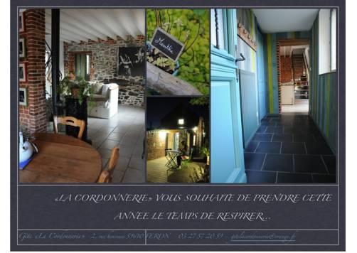 Gîte La Cordonnerie : Guest accommodation near La Flamengrie