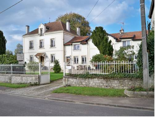 Chambres d'hotes Villa Nantrisé : Bed and Breakfast near Authe
