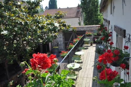 Gîtes de L'Oasis : Guest accommodation near Amenucourt