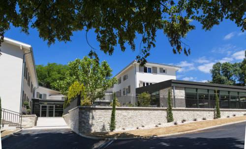 Le Cottage de Clairefontaine - CHC : Hotel near Saint-Prim