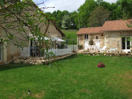 Chambres d'Hôtes La Pombolaise : Bed and Breakfast near Saint-Estèphe