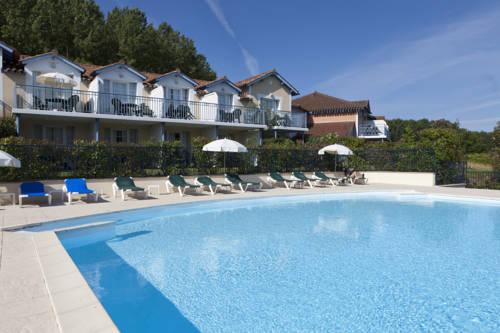 Pierre & Vacances Le Hameau du Lac : Guest accommodation near Armous-et-Cau