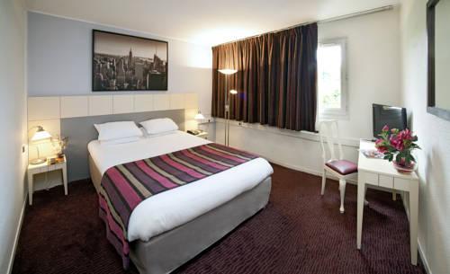 Qualys-Hotel Paris Est Golf : Hotel near Bondy