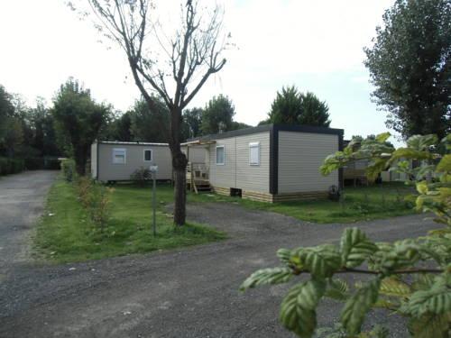 Camping de l'Abbatiale : Guest accommodation near Bernes-sur-Oise