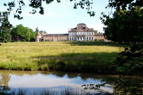 Château de Saint-Augustin : Guest accommodation near Aubigny