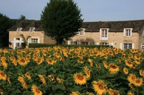 Domaine des Hirondelles : Guest accommodation near Allas-les-Mines