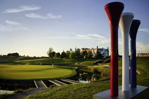 Novotel Saint Quentin Golf National : Hotel near Guyancourt