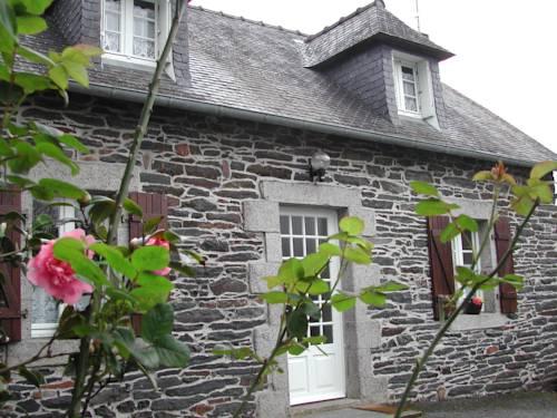 Les Gîtes de Garz Ar Bik : Guest accommodation near Botmeur