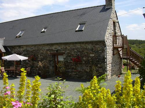 Le Domaine de Rugornou Vras : Bed and Breakfast near Brasparts