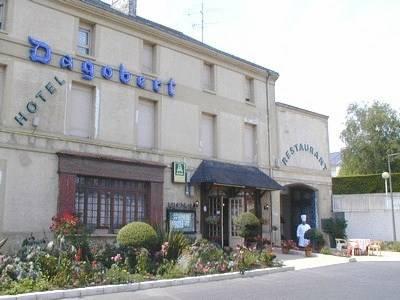 Le Dagobert : Hotel near Doué-la-Fontaine