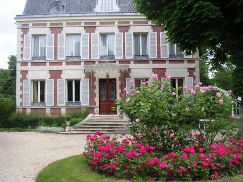 Le Manoir du Pont Cagé - Chambres d'Hotes : Bed and Breakfast near Courson-Monteloup