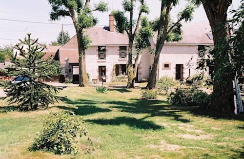 Le Clos Fleuri : Guest accommodation near Saint-Claude-de-Diray