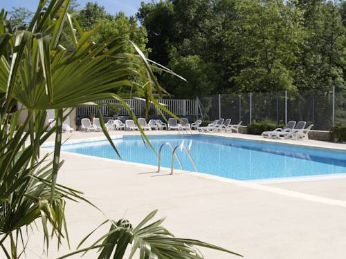 Camping La Digue : Guest accommodation near Chauzon