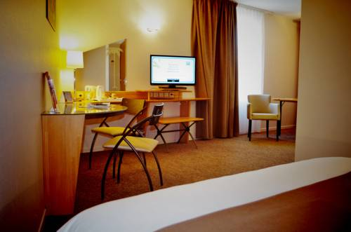 Quality Hotel Pau Centre Bosquet : Hotel near Pau