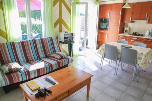 Village de Cromenach : Guest accommodation near Billiers