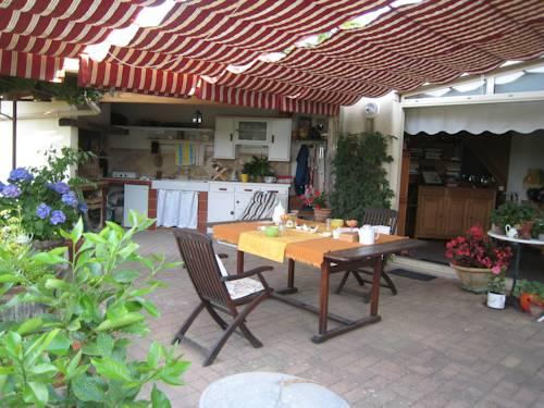 Petite Suite Douillette : Bed and Breakfast near Usclas-d'Hérault