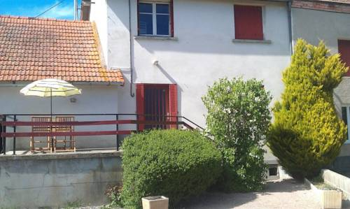 Gîte à Châtelus, au calme dans l'Allier : Guest accommodation near Saint-Christophe