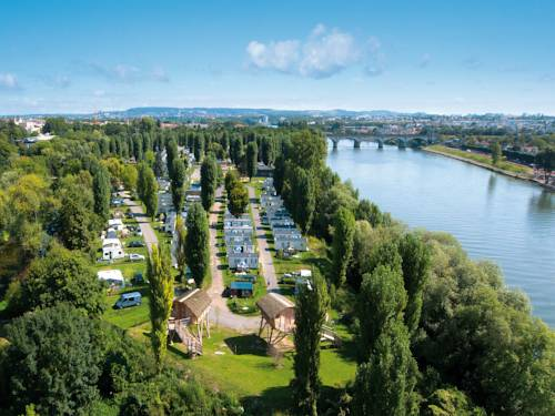 Camping International de Maisons-Laffitte : Guest accommodation near Maisons-Laffitte