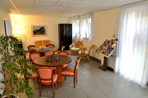 Hôtel le Grand Terre : Hotel near Meilleray