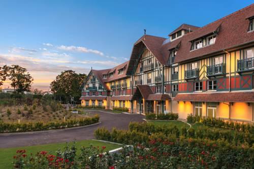 Renaissance Paris Hippodrome de St. Cloud Hotel : Hotel near Garches