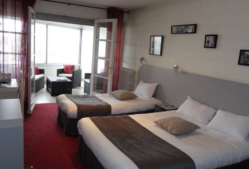 Brit Hotel Bleu Nuit : Hotel near Charente-Maritime