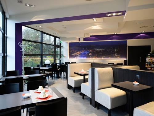 Brit Hotel Confort Rouen Centre : Hotel near Franqueville-Saint-Pierre