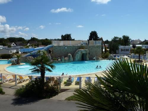 Camping La Route Blanche : Guest accommodation near Anctoville-sur-Boscq