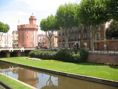 Hotel De France : Hotel near Perpignan