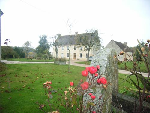 Le Petit Manoir : Bed and Breakfast near Fontaine-les-Bassets