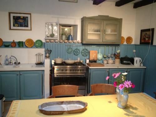 La Perdrix : Guest accommodation near Ribérac