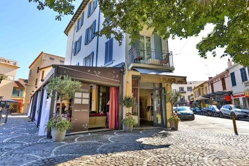 La Place : Hotel near Antibes