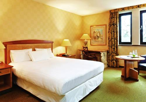 Millennium Hotel Paris Charles De Gaulle : Hotel near Survilliers