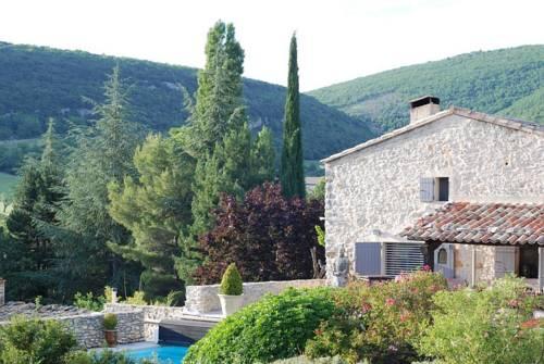 Le Clos des Amandiers : Bed and Breakfast near Montsalier