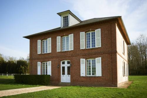 Maison bourgeoise de deux étages : Guest accommodation near Avernes-Saint-Gourgon