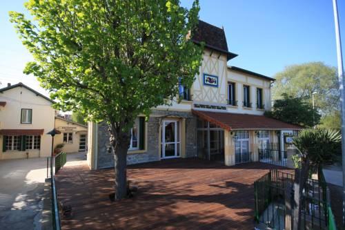 Auberge des Écluses : Hotel near Chanteloup-les-Vignes