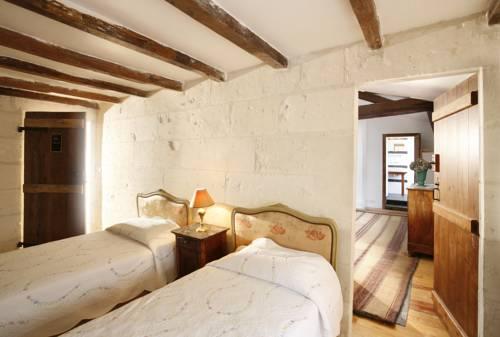 La Porte Rouge - The Red Door Inn : Hotel near Charente-Maritime