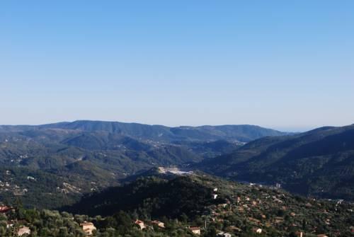 La cachette : Guest accommodation near Contes