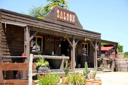 Le Ranch De Calamity Jane : Guest accommodation near Languidic