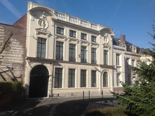 L'Hôtel Particulier : Hotel near Nord-Pas-de-Calais